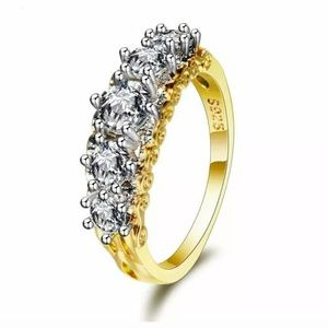 Gold plated silver ring with sparkly cubic zirconi